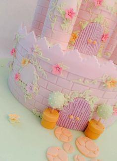 Astle cake topiary