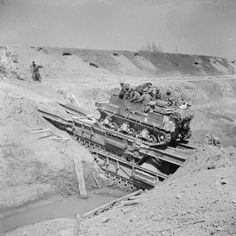 A Sexton self-propelled gun crossing the River Senio over two Churchill Ark bridging tanks, 10 April Army Vehicles, Armored Vehicles, Churchill, Diorama, Self Propelled Artillery, D Day Landings, Royal Engineers, British Armed Forces, Ww2 Tanks