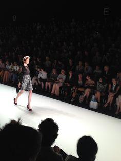 Auch von Marcel Ostertag wurden verschiedene Outfits präsentiert.