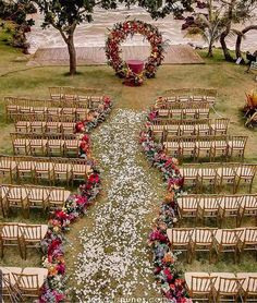 Check out the best ideas to decorate and organize an outdoor wedding that will amaze your guests and always putting this special day! Wedding Wishes, Wedding Bride, Fall Wedding, Wedding Ceremony, Wedding Venues, Dream Wedding, Boho Wedding, Wedding Goals, Wedding Themes