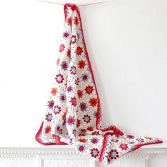Cream Granny Square Blanket crochet por rocketandbear en Etsy