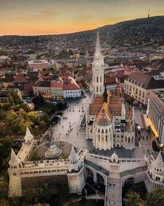 Matthias Church in Budapest, Hungary Travel Destinations Honeymoon Backpack Backpacking Vacation Budapest City, Visit Budapest, Budapest Travel, Places To Travel, Travel Destinations, Places To Visit, Vacation Travel, Beautiful World, Beautiful Places