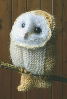 Free Knitting Pattern for Winter White Owl - Barn owl toy knit in one piece measures approx. 23cm/ 9in tall Designed by Claire Garland.