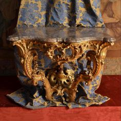 #Console Louis XV in #giltwood, top in molded #marble, grey veined white, yellow and red. #18thcentury. For sale on #Proantic by La Corte Degli Ulivi Gallery.