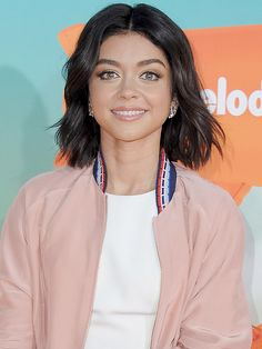 Sarah Hyland's new very dark brunette hair color