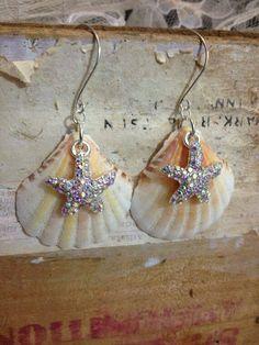 Sea Shell Earrings by TwoTimeTravellers on Etsy Seashell Jewelry, Seashell Crafts, Sea Glass Jewelry, Beaded Jewelry, Shell Earrings, Etsy Earrings, Earrings Handmade, Homemade Jewelry, Bijoux Diy
