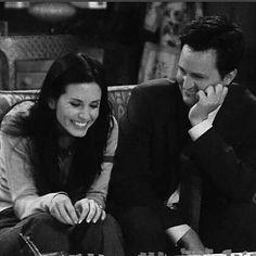 monica ross i chandler bing Tv: Friends, Chandler Friends, Friends Scenes, Friends Cast, Friends Moments, Friends Forever, Monica Friends, Chandler Bing, Monica E Chandler