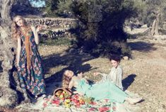Picnic in Mallorca: Ruth Bell, May Bell, and Lieke van Houten by Ellen von Unwerth for Vogue Italia Suggestions May 2015