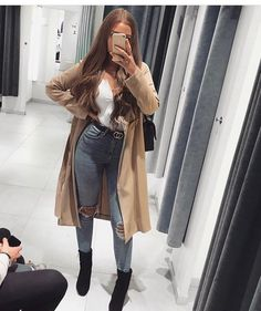Yesss, autumn has finally arrived in Germany 🍂 I just love a good trenchcoat with some boots 🤞🏼 what's your favorite season? Casual Fall Outfits, Winter Fashion Outfits, Girly Outfits, Fall Winter Outfits, Classy Outfits, Look Fashion, Stylish Outfits, School Looks, Jeans Rock