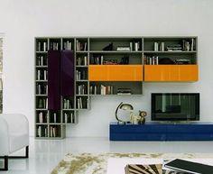 Meuble télé et bibliothèque colorés