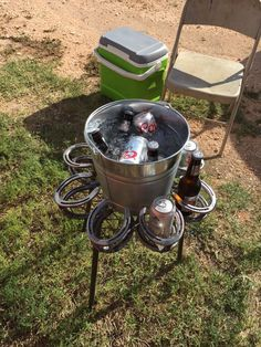 Horseshoe Drink Holder with Bucket - Cool Welding Project Ideas for Home Welding Crafts, Welding Art Projects, Diy Welding, Metal Welding, Metal Projects, Metal Crafts, Diy Projects, Welding Tools, Welding Ideas