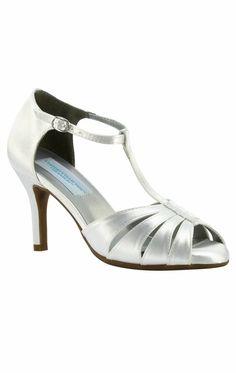Le migliori 8 immagini su scarpe | scarpe, sandali, kitten heels