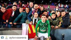 #Repost @aytovvaserena  Tapia se acercó al finalizar el @fcbarcelona @cfvillanovense hasta el fondo para agradecer a los aficionados serones desplazados hasta Barcelona el apoyo recibido.