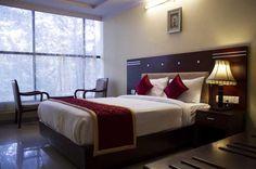 OYO Rooms Niti Khand II Indirapuram #Indirapuram, Near Swarna #JayantiPark, #Ghaziabad Best Budget, Budget Hotels, Bed, House, Furniture, Rooms, Park, Home Decor, Travel