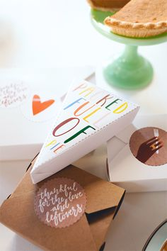 Love this: Free Thanksgiving printables for leftovers, from boxes to the cute stickers