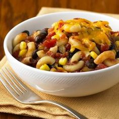 Black Bean Pasta Bowl ~ Macaroni, black beans, zesty tomatoes and corn are combined with some barbecue sauce for a colorful meatless dish.and easy to boot! 35 total points w/cheese Yummy Pasta Recipes, Veggie Recipes, Vegetarian Recipes, Dinner Recipes, Cooking Recipes, Healthy Recipes, Dinner Ideas, Healthy Dishes, Lunch Ideas