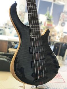 Mayones Patriot 5 Custom | Flamed Maple top | Trans Black Gloss finish | Bartolini 72M45C-B/T Soapbar pickups | Flamed Maple pickup top | Aguilar Amplification OBP-3 preamp | Mayones X-25 bridge | Schaller M4 tuners