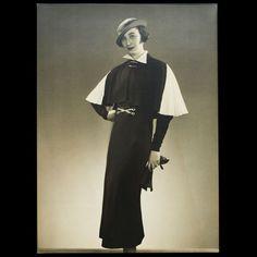 Modèles de Robert Piguet, ensemble de 5 photographies d'époque de la Comtesse Grabbe par le studio Dorvyne (1934)
