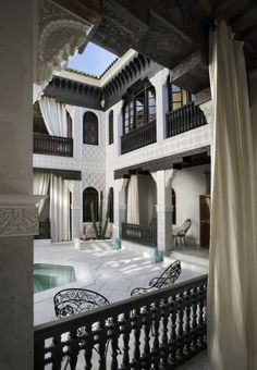 Pool / courtyard