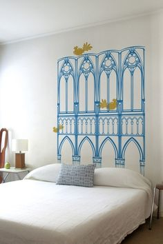 100 Inexpensive and Insanely Smart DIY Headboard Ideas for Your Bedroom Design homesthetics Cool Headboards, Faux Headboard, Headboard Decal, Painted Headboards, Modern Headboard, Make Your Own Headboard, Oeuvre D'art, Stencil, Bedroom Decor
