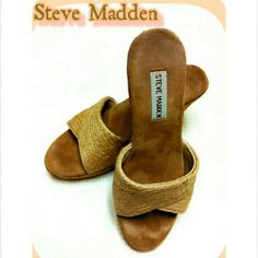 STEVE MADDEN - SZ 8 1/2 WEDGE SANDALS STEVE MADDEN - CORK & STRAW WEDGE   COMFORTABLE , CLEAN SUEDE INSIDES, CORK WEDGE HEELS WITH STRAW- LIKE COVERING. ABSOLUTELY CLEAN! NO STAINS, RIPS OR TEARS! Steve Madden Shoes Sandals