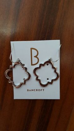 Bancroft * Sansome Cut Out Spade Drop Earrings $32 - These were in my August 2015 Stichfix and were the only item I kept, mostly because I didn't want to lose my styling credit. If it weren't for that, I may have sent them back. With that being said, I do like them.