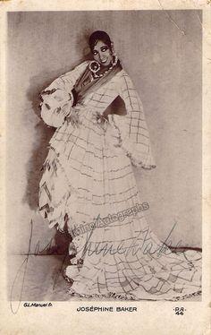 Baker, Josephine - Signed Photo Postcard