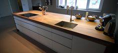 Ikea keuken met custom blad. Strak weggewerkte spoelbak. www.droomhout.nl
