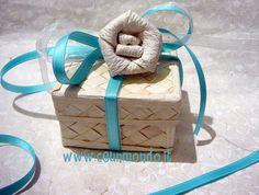 Scatolina in foglia di palma con nastri e fiore Dung Paper Blue Tiffany