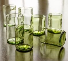 savvyhousekeeping what to do with wine bottles cut glass drinking glasses recycle reuse bottles Mais Reuse Bottles, Recycled Wine Bottles, Wine Bottle Crafts, Bottles And Jars, Bottle Art, Recycled Glass, Cut Bottles, Beer Bottles, Beer Bottle Glasses