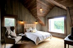 Cabin bedroom in Blue Ridge, Georgia. Homes for $985,000 - Slide Show - NYTimes.com