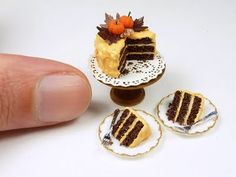 The Mini Food Blog: Autumn Cake ~ Emmaflam & Miniman  (the littlest cake you ever did see)  #diamondcandles #harvestcontest2012