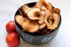 I can't find store-bought apple chips where I live, so I decided to try making them myself, with a simple recipe I found from The Healthy Maven, which yielded disproportionately amazing results.