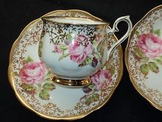 Pretty tea cup etched in gold