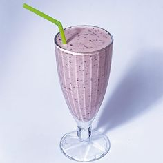 1 frozen banana 1/2 cup nonfat yogurt 1/2 cup fresh orange juice 1/4 cup blueberries, washed How to make it Combine all ingredients in a blender and blend until smooth. Serves 1.