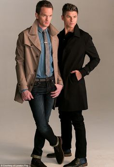 Neil Patrick Harris & David Burtka Do First Fashion Shoot Together For 'London Fog' Holiday Campaign: Photo Neil Patrick Harris and husband David Burtka cozy up in the brand new London Fog holiday campaign! Cute Celebrity Couples, Cute Gay Couples, Celebrity Babies, David Burtka, David Boreanaz, Rock Chick Series, Kristen Ashley Books, How Met Your Mother, Neil Patrick Harris