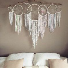 Handmade Home Decor Handmade Home Decor, Diy Home Decor, Above Couch Decor, Los Dreamcatchers, Dream Catcher Tutorial, Diy Backdrop, Dream Catcher Boho, Big Dream Catchers, Craft Ideas