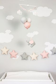 PInk Elephant Baby Mobile, Girls Nursery Decor, Pink and Grey Balloon Mobile, Travel Theme Nursery Decor, - Kinderzimmer - Babyzimmer Elephant Nursery, Pink Elephant, Girl Nursery, Girl Room, Elephant Balloon, Pink And Grey Nursery Baby Girl, Elephant Mobile, Travel Theme Nursery, Nursery Themes