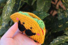 FREE Mexican Taco Amigurumi Crochet Pattern and Tutorial by Amigurumi Food by ireeny Amigurumi Free, Crochet Patterns Amigurumi, Crochet Dolls, Knitting Patterns, Crochet Cross, Love Crochet, Knit Crochet, Kawaii Crochet, Crochet Food