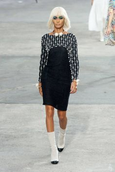 Chanel S/S 2014: Pink, Pearls, Tweed & Rainbows