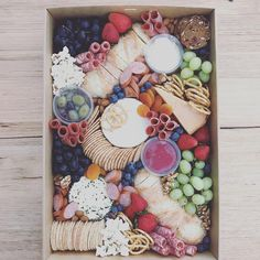 Happy Friday Grazers!  Our Large grazing box is still available for pick up or delivery*. *delivery fees may apply.  #thatgrazinglife #grazingtablemelbourne #grazingtablesmelbourne #grazingboardsmelbourne #grazingboxesmelbourne #melbournegrazingtables #melbournegrazingplatter #melbournegrazing