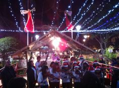 Christmas carols in Plaza 25 de Mayo, Sucre #travelbolivia