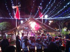 Christmas carols in Plaza 25 de Mayo, Sucre #travelbolivia