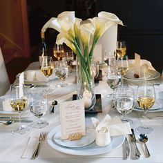 Stop saving your best cutlery, dishes and glasses for special occasions. Dress up your table and celebrate life every day.