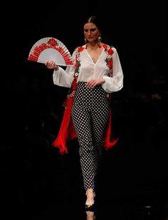 Spanish style – Mediterranean Home Decor Spanish Dress, Spanish Style, Spain Fashion, Hispanic Women, Fantasy Gowns, Dance Dresses, Fashion Outfits, Womens Fashion, Cute Outfits