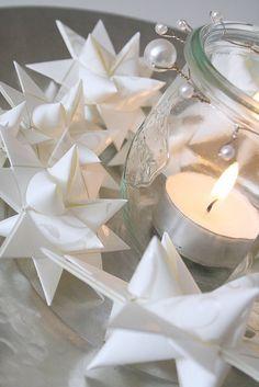 a German Christmas tradition: paper stars White Christmas, Christmas In Germany, Noel Christmas, Christmas Is Coming, All Things Christmas, Christmas Crafts, Christmas Ornaments, Christmas Vignette, Danish Christmas