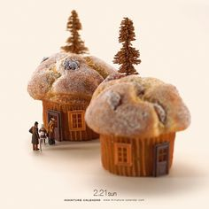 """. 2.21 sun """"Tiny house"""" . 「支度に時間がかかってすんまふぃん。」 . #反省してない #マフィン  #Muffin #食品サンプル . ーーーーーーー #写真集第2弾予約受付中 #プロフィールのURLから飛べます ."""