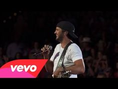 Luke Bryan--That's My Kind Of Night (Tour Performance Video)