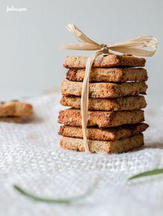 Tigernuts cracker with rosemary! Erdmandel - Rosmarin Cracker, glutenfrei, nussfrei, laktosefrei und sojafrei   freiknuspern - Rezepte für Allergiker