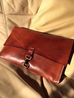 個人デザイナーによるカリスマレザーブランド「Akkky Leather」デザイナー本人によるデザイン、型紙起こし、生地、革のカッティング、縫製まで仕上げる。そ...|ハンドメイド、手作り、手仕事品の通販・販売・購入ならCreema。